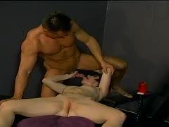 Mann sieht beim Fick seiner Frau zu HD - XXX Porno Videos